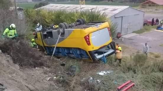 Accidente de Bus en el sector la Silleta deja 31 personas lesionadas entre ellos cuatro estudiantes en estado de gravedad